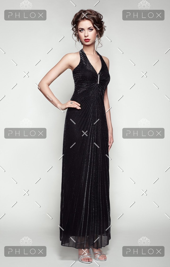 demo-attachment-90-fashion-portrait-of-beautiful-woman-in-elegant-PAXCV62